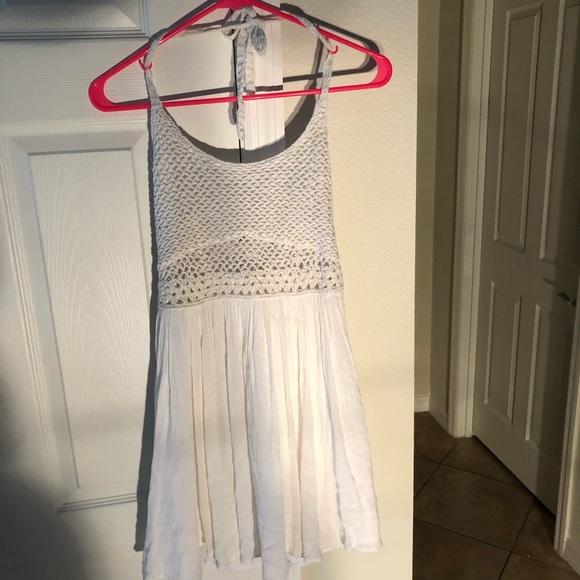 Hollister Dresses & Skirts - White Hollister Halter dress size S